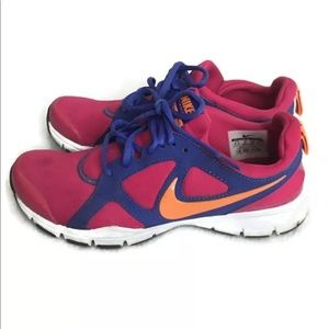 Nike Athletic Sneakers Running Shoes Size 8. Pink